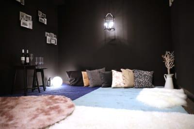 大手町スペースブリッド ★撮影スタジオ(6名)5Dの室内の写真