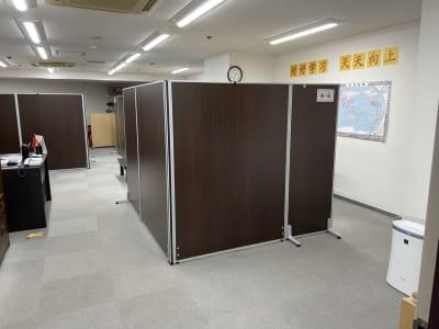 第一班は、入り口の一番手前のスペースです。 - 三軒茶屋レンタルスペース「サンチャイナ」 ルーム1(第一班)の室内の写真