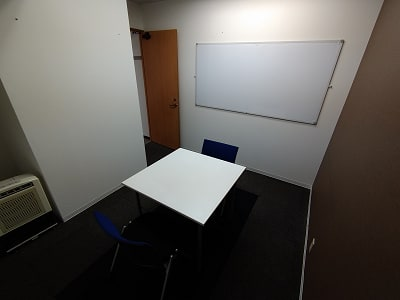 2名様までご利用できます。 - 三豊ビル 2名様までのスペース430の室内の写真