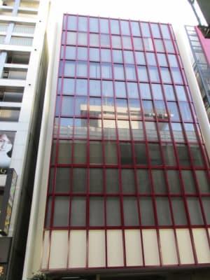 三豊ビル外観です。 - 三豊ビル 4名様までのミーティングスペースの外観の写真