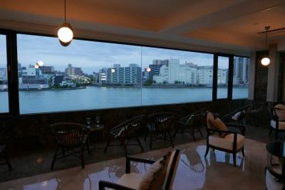 日本橋RIKYU リバーサイドイベント撮影スペースの室内の写真