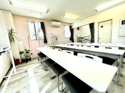 レンタルスタジオ リル ダンスもできる貸し会議室の室内の写真