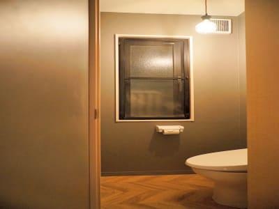 お手洗いは毎日清掃を行っており、清潔にご利用いただけます。 - HaNaLe三鷹台駅会議室 個別デスク席④の設備の写真