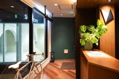 エントランス - HaNaLe三鷹台駅会議室 個別デスク席④の入口の写真