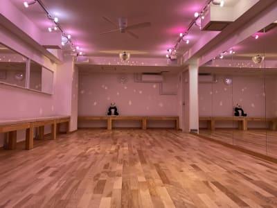 danceplaceFELICE ダンスプレイスフェリーチェの室内の写真