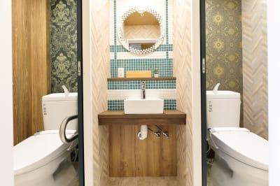 2F トイレ - ゲストハウス神戸なでしこ屋 元町駅近!ワーキングスペースの設備の写真