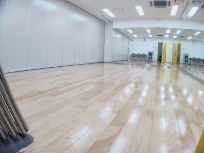 レンタルスタジオ・アドレ Aスタジオ ダンススタジオの室内の写真