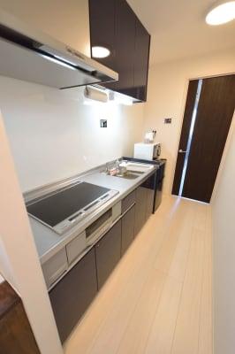 キッチン完備 - ゲストハウス岐阜羽島心音 フルキッチン付きレンタル個室の室内の写真