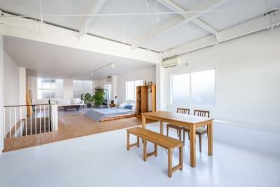 ダイニングテーブルもございます。 - STUDIO AOTO スタジオA の室内の写真