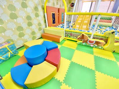 キッズスペース約60平米 - T-TEAママ&キッズ喫茶の室内の写真