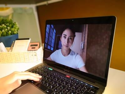 WEB会議などでご利用が多いです - ゲストハウス神戸なでしこ屋 個室コワーキングスペースの室内の写真