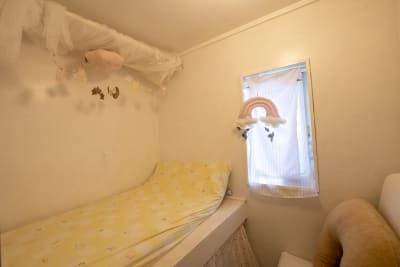 施設内の授乳・おむつ替えルーム・着替えも可能です。 - 親子のくつろぎどころ りみぃ 貸切レンタルルームの設備の写真