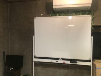 白板 - 東逗子エントランス レンタルスペースAの設備の写真
