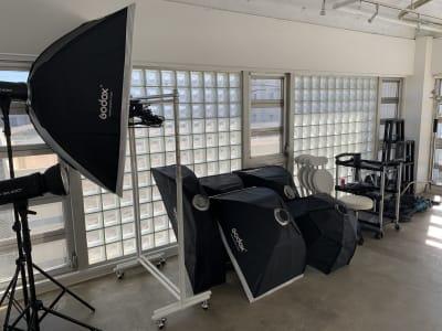 豊富な撮影機材 - TRANSPARENTスタジオ フォトスタジオ、レンタルスペースの室内の写真