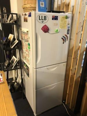 冷蔵庫 - トーキョーグレートツアーズ カヤック体験付きワークスペースの設備の写真