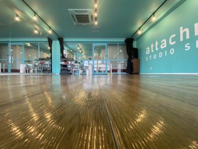 Aスタジオ北側より撮影 - アタッチマンスタジオ レンタルスタジオ ダンス、ヨガ等の室内の写真