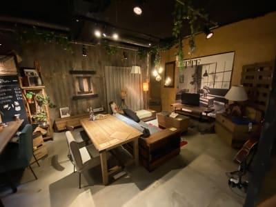 ショールーム全体② - アップタウンファニチャー サロンスペースの設備の写真