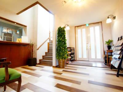 WeHomeVilla城ケ崎温泉 完全貸切ラウンジスペースの入口の写真
