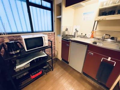 キッチンもご自由にご使用ください🍳 - SMILE+ルージュ心斎橋 パーティスペース、打ち合わせ会議の室内の写真