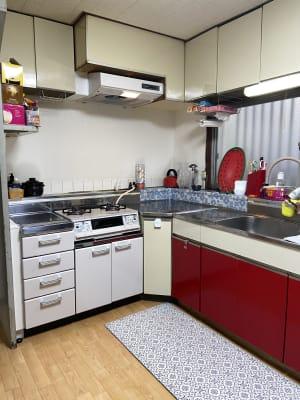 ご希望のグループ様にはキッチンもご利用いただけます。 - Smile Family ドッグラン付き多目的スペースの設備の写真