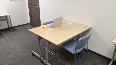 完全個室なので音漏れの心配もありません。 - 勉強カフェ博多プレース 会議室 セミナールームの室内の写真