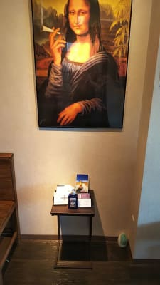 店舗入口正面に手指消毒があります - 喫茶パティクロ おしゃれなコワーキングスペースの設備の写真