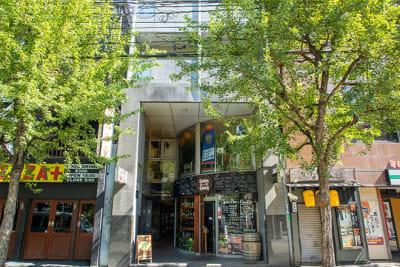 木屋町の中心地にあるビルの1階にあるレンタルスタジオです。 - レンタルスタジオ「ダンサーズ」 Aスタジオの外観の写真