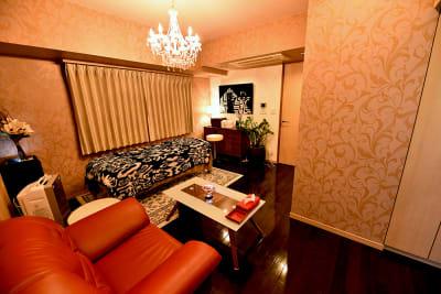 落ち着いた雰囲気の部屋になっております。 - エスティメゾン銀座 エステサロンスペースの室内の写真