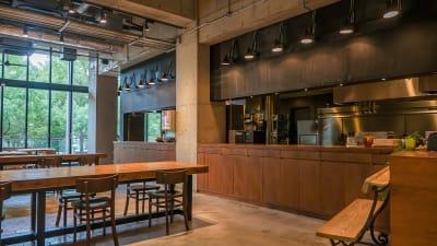 カウンターキッチン - ロハスカフェ有明 カフェ店内とテラスの室内の写真