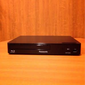 DVD・BDプレーヤー(お部屋によって異なります。ご希望の場合はおっしゃてください) - TGIマーケティング TGI会議室 カジュアルルームの設備の写真