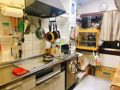 chura*chura カフェ・キッチン・パーティーの室内の写真