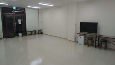 ホワイト基調の清潔なスタジオです。 - レンタルダンススタジオ レンタルスタジオsimasimaの室内の写真