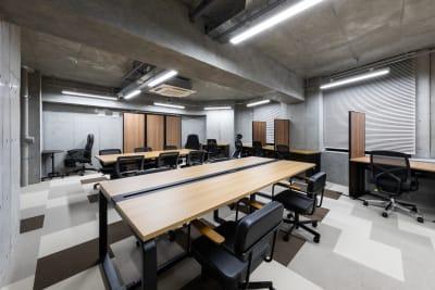 オフィスAMOREA フロア貸切の室内の写真
