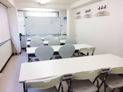 スクール形式 - カラメル渋谷新南口1号店 貸し会議室の室内の写真
