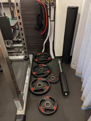 パワーベルト ストレッチポール - Muscroom(マッスルーム) マッスルーム208号室 ジムの設備の写真