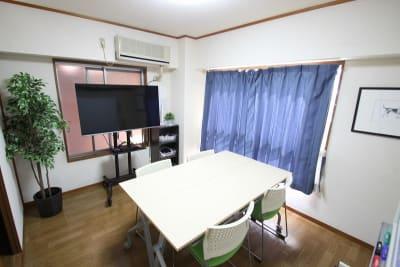 CurioSpaceせいせき レンタルスペースの室内の写真