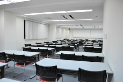 NATULUCK中目黒駅前店 会議室の室内の写真