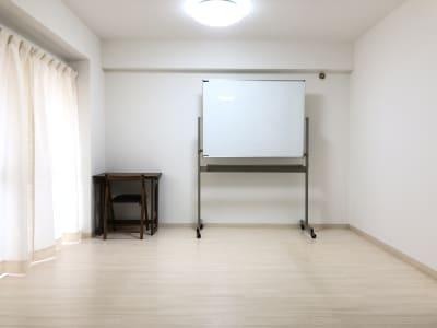 ヨガスペース、リモートワークスペース、タイ式施術部屋など - メンズ麻布サロン、麻布サロン 麻布サロン、レンタルサロンの室内の写真