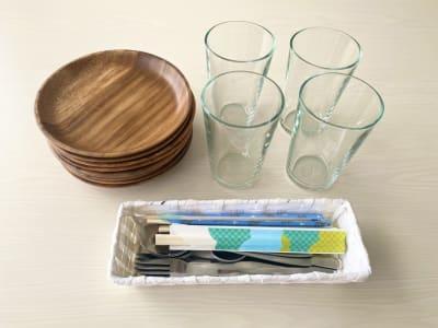 4人分の食器類をご用意しております - CULTI EARL HOTEL 家具ありレンタルスペース1-2の設備の写真