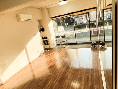 店内左手奥からの写真 - ODOLVA市川レンタルスタジオ ダンススタジオの室内の写真