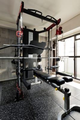 マルチラック  - SKYレンタルフットネスジムの設備の写真