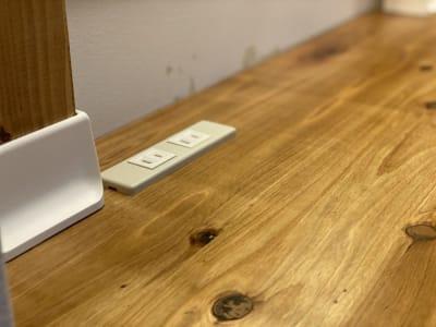 1席に2つの電源コンセント - Ray Terrace2F ドロップインAの設備の写真