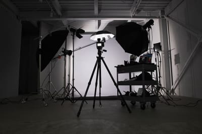 無料のライティング用機材も充実。 - スタジオヒュッテ N4スタジオの設備の写真