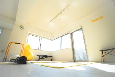 奥側スペース - 代官山レンタルスペース トレーナー向け☆駅近格安スタジオの室内の写真