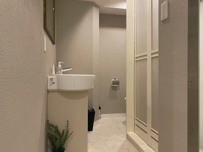 パウダールーム - レンタルサロンatto レンタルサロンattoなんばの室内の写真