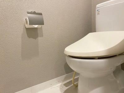 トイレ - レンタルサロンatto レンタルサロンattoなんばの室内の写真