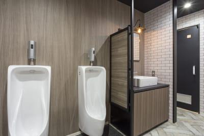 トイレもおしゃれ♪ - 渡辺コーポレーションビル 貸しオフィスの設備の写真