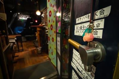 入り口から見た風景 - ライブスペース中野ピグノウズ ライブ・鑑賞会・動画撮影の室内の写真