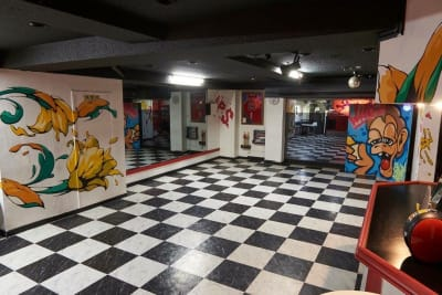大型鏡あり!ダンスレッスン&パーティーなどにおすすめ!! - レンタルスペースWAAAPS ダンスレッスン&音楽活動に最適の室内の写真