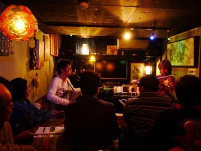 店主と平田輝氏でデュオライブ! - ライブスペース中野ピグノウズ ライブ・鑑賞会・動画撮影の室内の写真